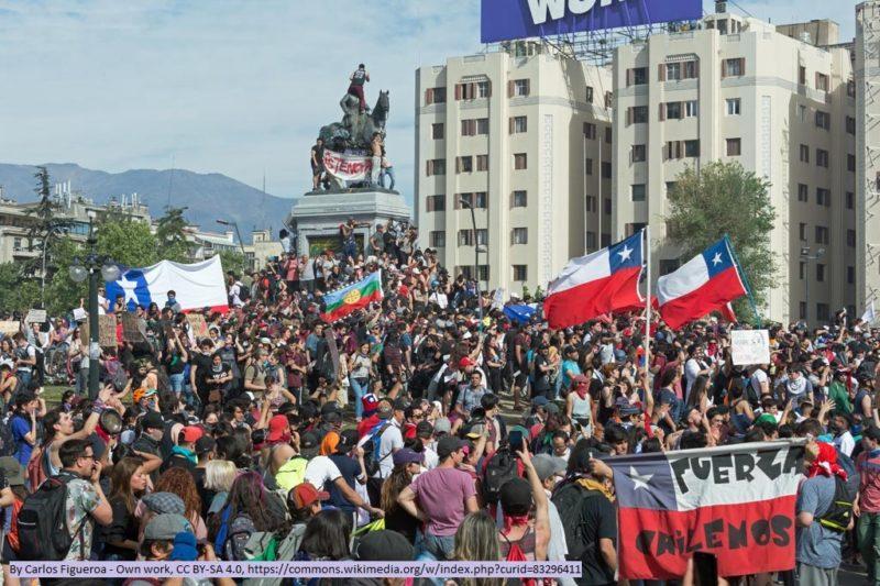 Protest gegen die gewalttätigen Übergriffe durch Polizei und Militär gegen friedliche Demonstranten (Wikimedia Commons, Carlos Figueroa))