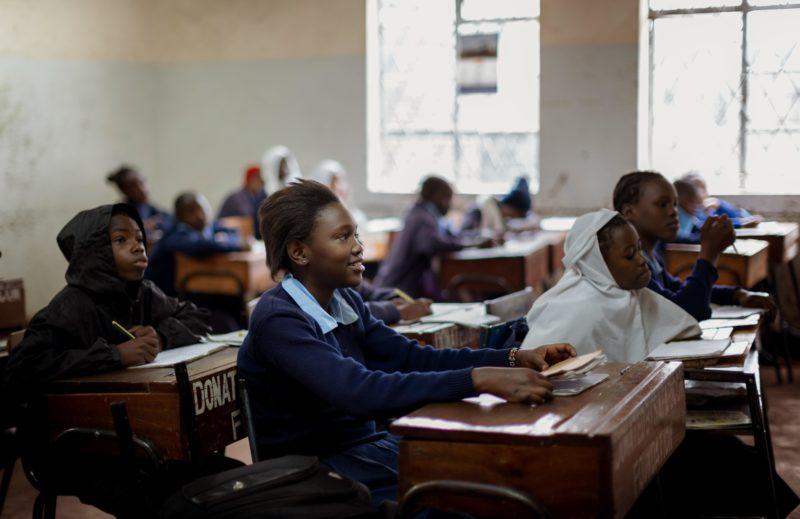 Eine Schulklasse in Nairobi, Kenia