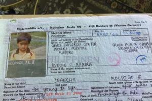 Juancho als Junge: Foto auf einem Brief zu Beginn der Patenschaft