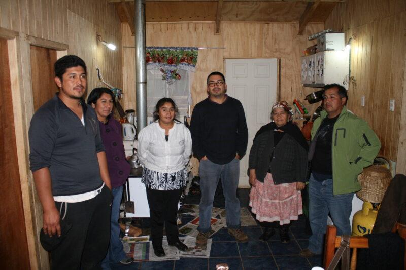 In Temucuicui, Wallmapu, setzen die Mapuche-Familien auf Selbsthilfe und Eigeninitiative. (Foto: Jürgen Schübelin)